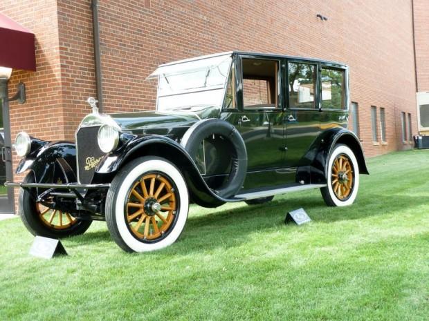 1920 Pierce-Arrow Model 32 4-Dr. Sedan