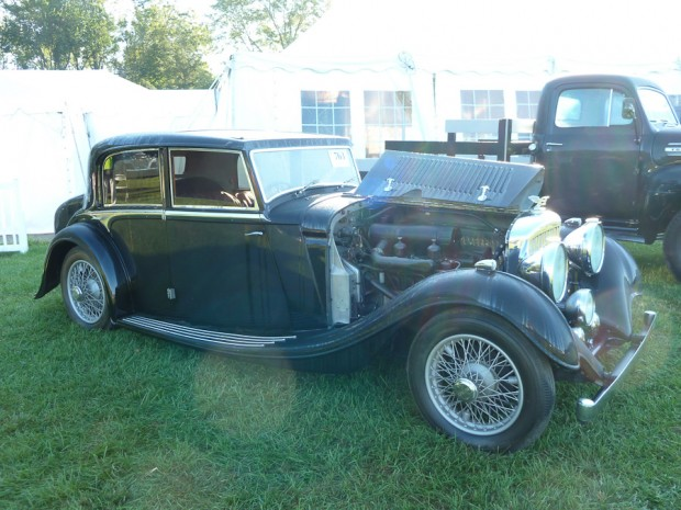 1936 Bentley 3 1/2 Liter Sports Saloon, Body by Freestone and Webb
