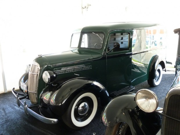 1938 Reo Speed Delivery picture