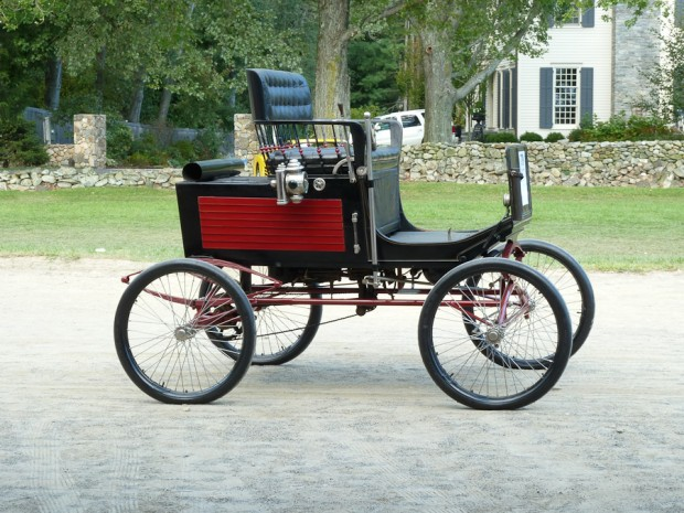 Lot # 739 1899 Locomobile Style 2 Stanhope picture