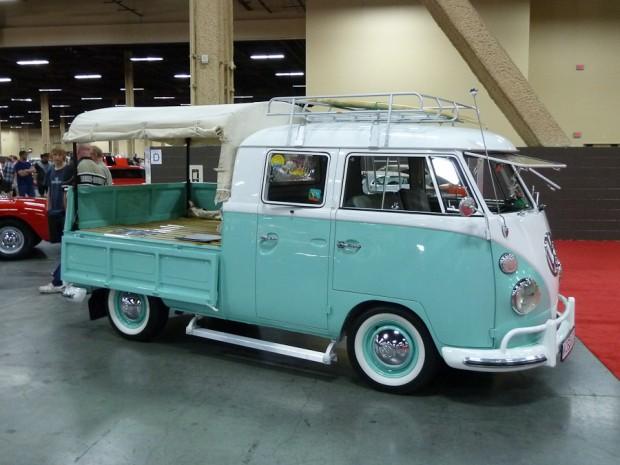 1966 Volkswagen Type 2 Crew-Cab Bus