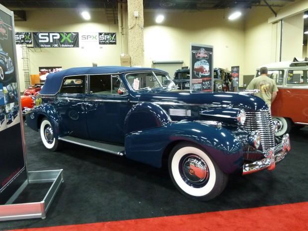 1940 Cadillac Series 75 Convertible Sedan