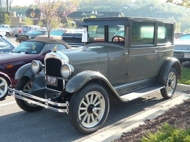 1926 Pontiac 2-Dr. Sedan