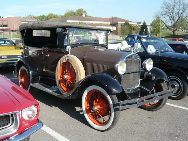 1929 Ford Model A Deluxe Phaeton