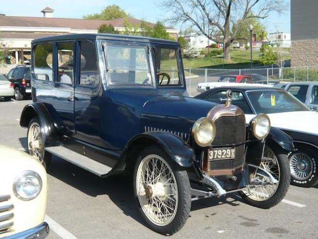 1917 Paige Six-51 Centerdoor Sedan