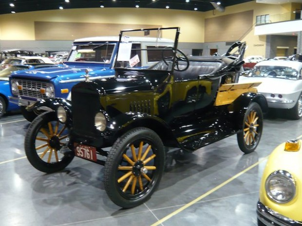 1924 Ford Model T Roadster Tow Truck