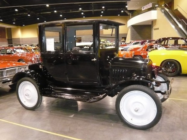 1923 Ford Model T Opera Coupe
