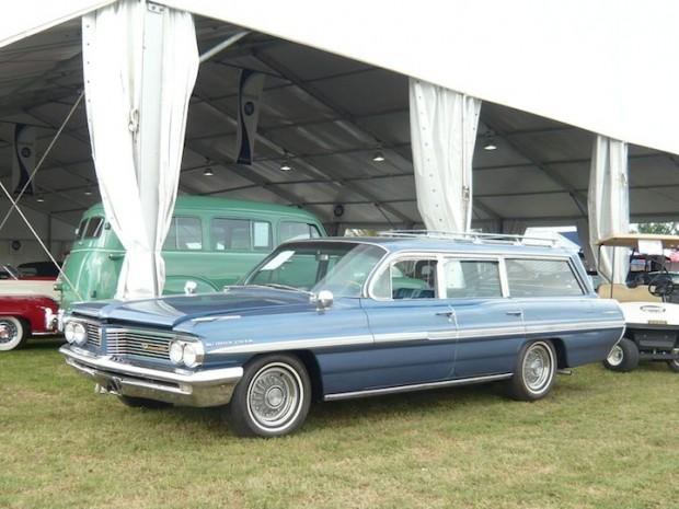 1962 Pontiac Bonneville Safari Station Wagon