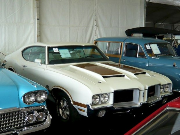 1971 Oldsmobile 442 W-30 2-Dr. Hardtop