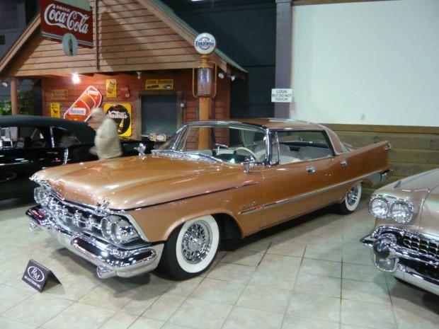 Chrysler Imperial Crown 4-Dr. Hardtop