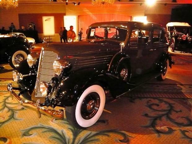 1934 Buick Series 90 Club Sedan