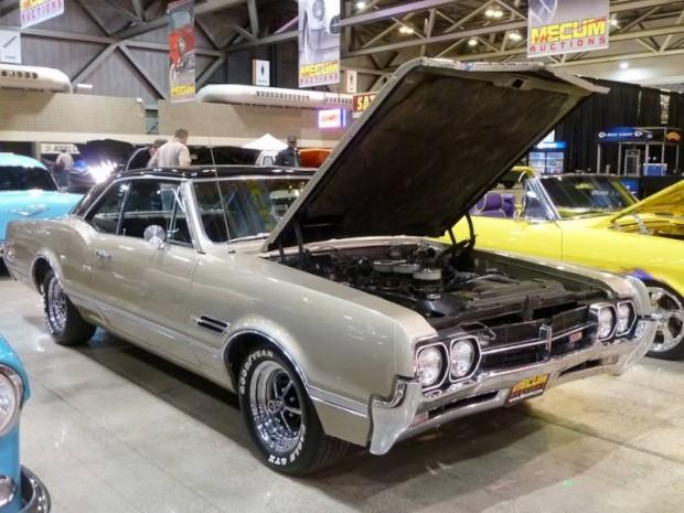 1966 Oldsmobile Cutlass 4-4-2 2-Dr. Hardtop
