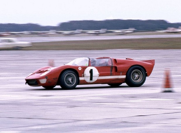 Shelby American Ford X-1 with Ken Miles at the wheel. Miles engaged in a duel with team mate Dan Gurney early in the race. (Bill Stowe photo)