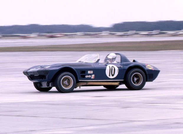 Dick Thompson, Dick Guldstrand, Penske Corvette Grand Sport, 1966 Sebring 12 Hours