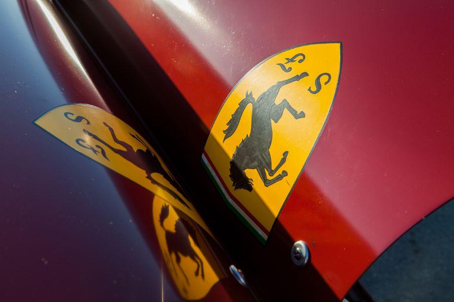 The open engine cowlings of Peter Giddings' 1935 Scuderia Ferrari - Alfa Romeo Tipo C 8C-35. HMSA Spring Club Races 2013 (Taken at 1/125 sec.@ f/9.0 - ISO 200) © 2013 Victor Varela
