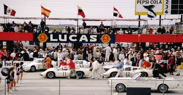 The Chaparral 2Ds being pushed to the starting grid, Sebring 12 Hours 1966