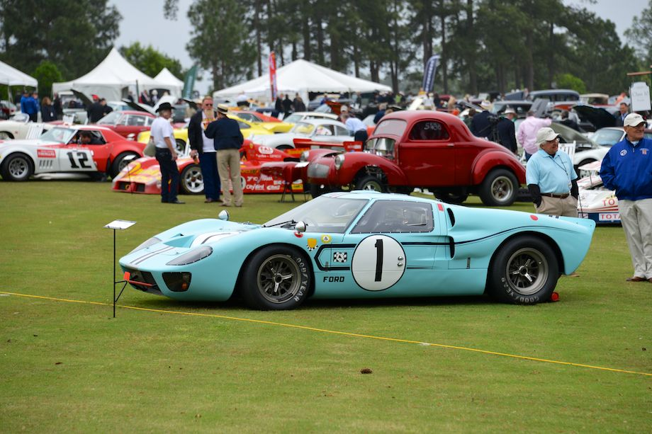 1967 Ford GT40 MkIIB, chassis 1031 and 1047