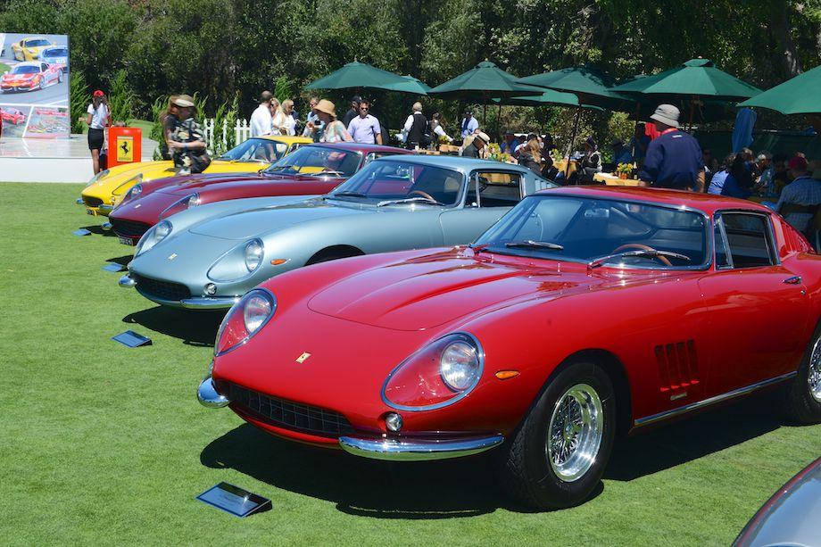 Line-up of Ferrari 275 GTBs