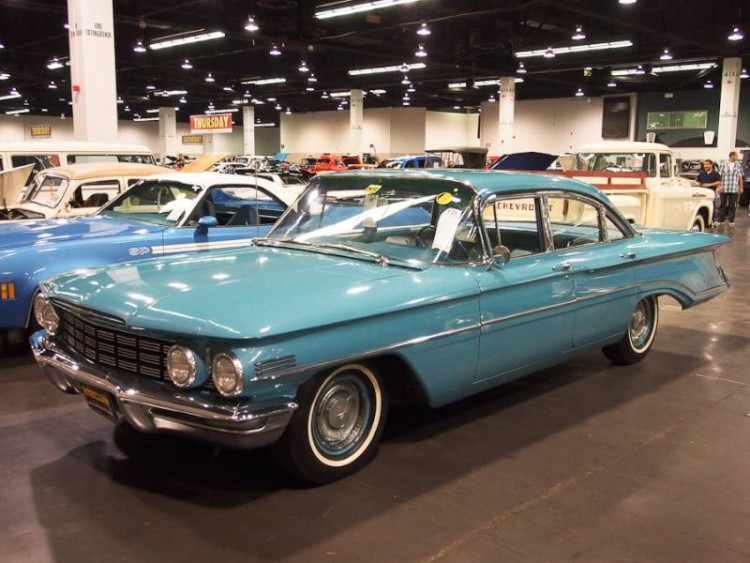 1960 Oldsmobile Dynamic 88 4-Dr. Sedan