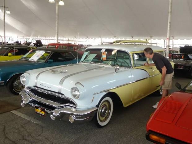 1956 Pontiac Chieftain 2-Dr. Station Wagon