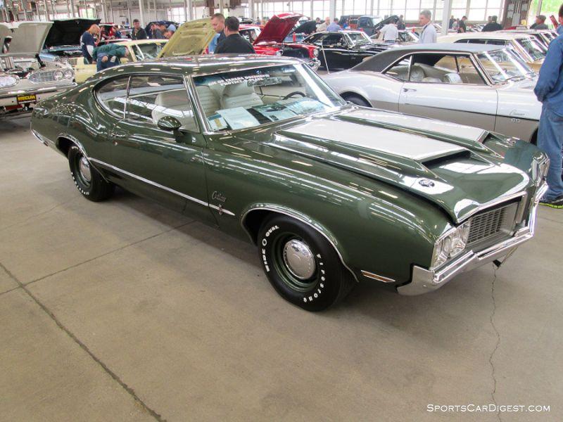 1970 Oldsmobile Cutlass S 2-Dr. Hardtop