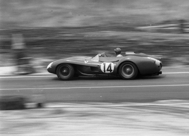 Driving Ferrari 250 TR (Chassis 0704TR), Peter Collins and Phil Hill took the lead in the 5th hour and led to the finish.