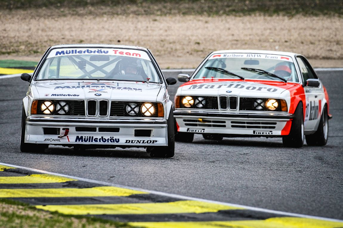 A pair of 1984 BMW 635 CSIs battling during the Jarama Classic 2016