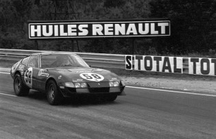 Ferrari 365 GTB/4 driven by Luigi Chinetti at Le Mans