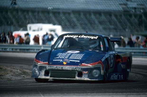 Bobby Rahal - Red Roof Inns Porsche 935
