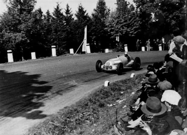 Masaryk Grand Prix near Brno, September 26, 1937. Richard Seaman (number 6) on Mercedes-Benz W 125 finished fourth.