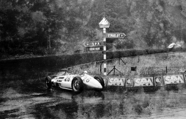 Belgian Grand Prix, 25 June 1939. Richard Seaman on Mercedes-Benz W 154 (number 26) in persuit of H.P. Muller on Auto-Union.