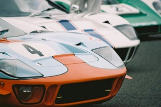 Ford GT40 starting line