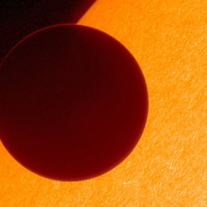 Foraging - All sizes | Hinode Views 2012 Venus Transit (NASA, Hinode, 06/05/12) | Flickr - Photo Sharing!