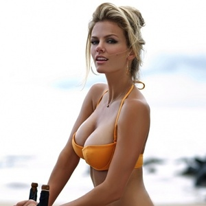 Cache Money - The 22 Hottest Photos of Brooklyn Decker « Airows