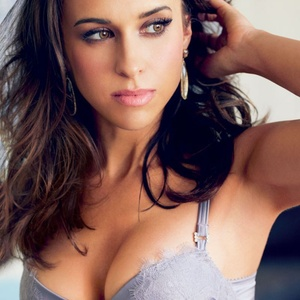 Cache Money - Lacey-Chabert-2013-Maxim-HQ--12.jpg (800×1126)