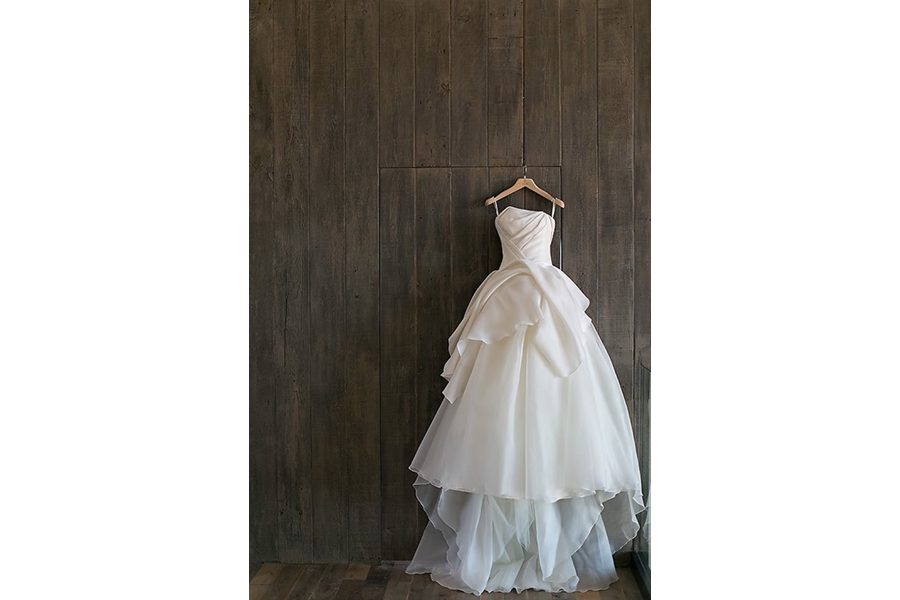 wedding dress wooden backdrop