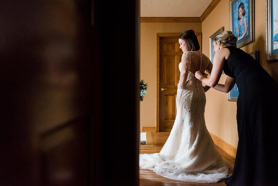 bridal prep wedding photography