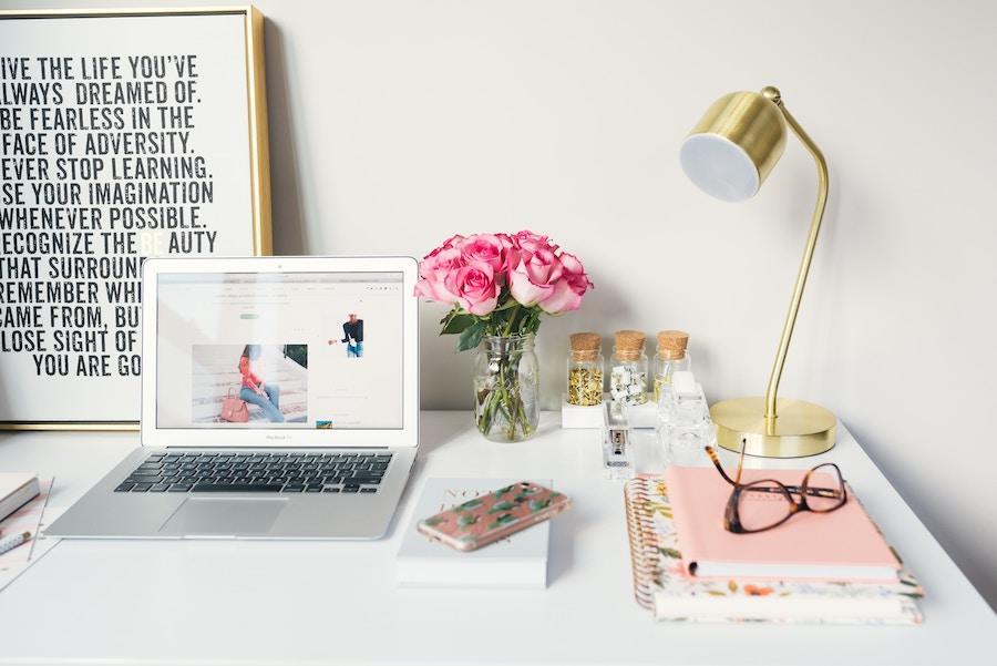 desktop laptop lamp glasses