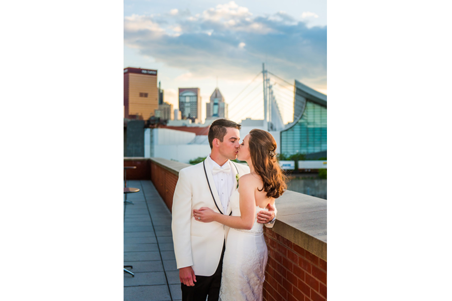 couple portraits outdoor lighting