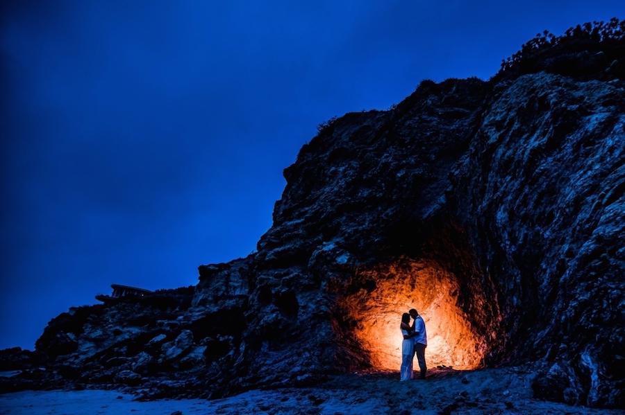 beach wedding photography backlight