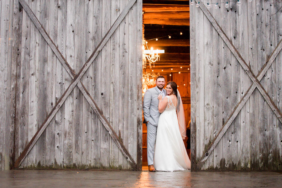 barn door couple portraits