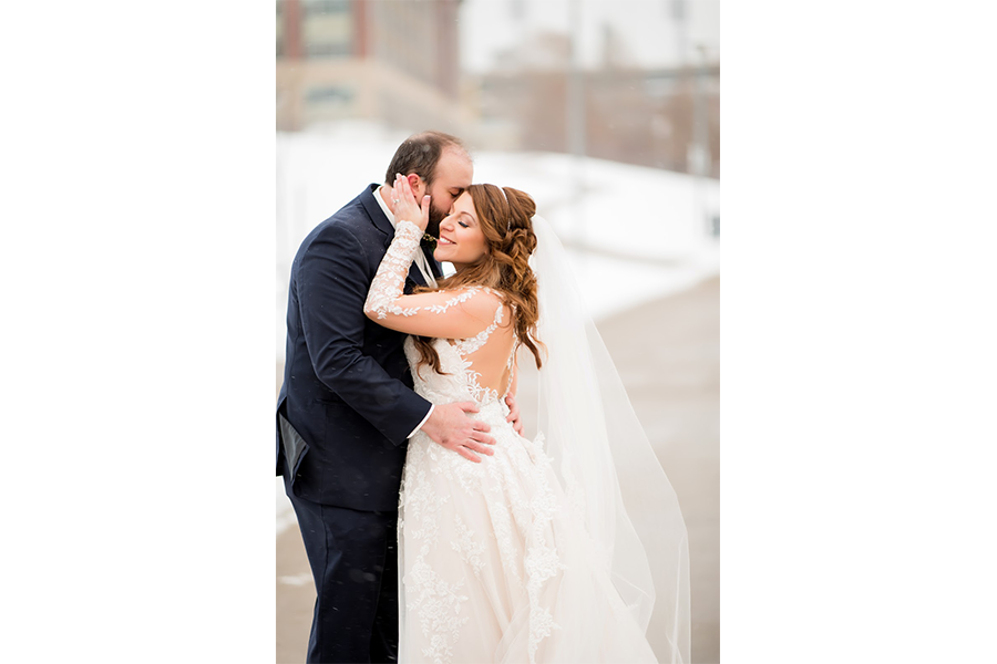 outdoor snowy couple portraits