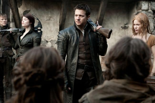 HANSEL AND GRETEL WITCH HUNTERS Gemma Arterton Jeremy Renner