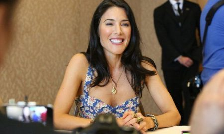 Jaime Murray DEFIANCE Comic Con Interview