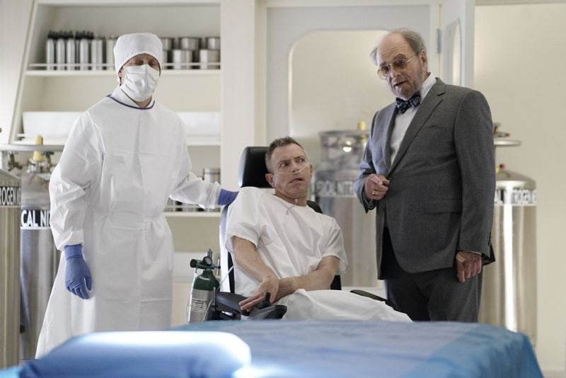"THE BLACKLIST -- ""Sir Crispin Crandall"" Episode 306 -- Pictured: (l-r) Arnie Kucera Dr. Kucera, Harris Yulin as Crispin Crandall -- (Photo by: Peter Kramer/NBC)"