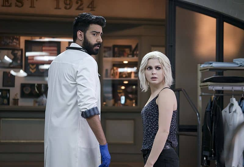 """iZombie -- Image Number: ZMB216a_0029.jpg -- """"Pour Some Sugar, Zombie"""" -- Pictured (L-R): Rahul Kohli as Ravi and Rose McIver as Liv -- Photo: Katie Yu/The CW -- © 2016 The CW Network, LLC. All rights reserved."""