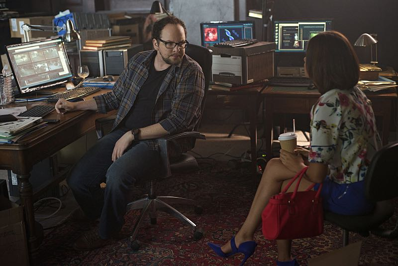 """Beauty and the Beast -- """"Monsieur et Madame Bete"""" -- Image Number: BB401a_0010.jpg ó Pictured (L-R): Austin Basis as JT and Nicole Gale Anderson as Heather -- Photo: Sven Frenzel/The CW -- © 2016 The CW Network. All Rights Reserved."""