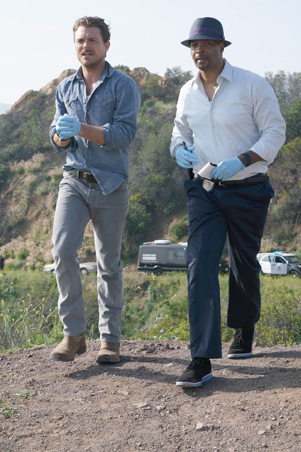 LETHAL WEAPON:  L-R:  Clayne Crawford and Damon Wayans in LETHAL WEAPON coming soon to FOX.  ©2016 Fox Broadcasting Co.  Cr:  Richard Foreman/FOX