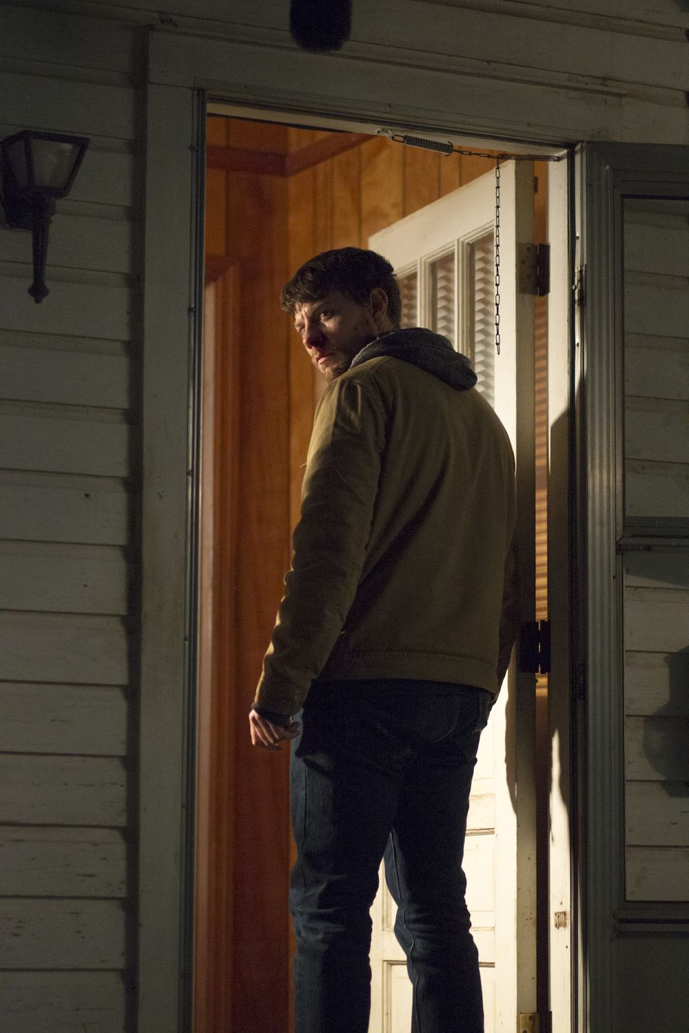 Outcast Season 1 Episode 1-1