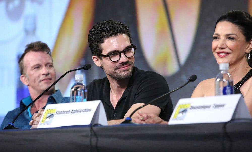 "COMIC-CON INTERNATIONAL: SAN DIEGO -- ""The Expanse Panel"" -- Pictured: (l-r) Thomas Jane, Steven Strait, Shohreh Aghdashloo -- (Photo by: Evans Vestal Ward/Syfy)"